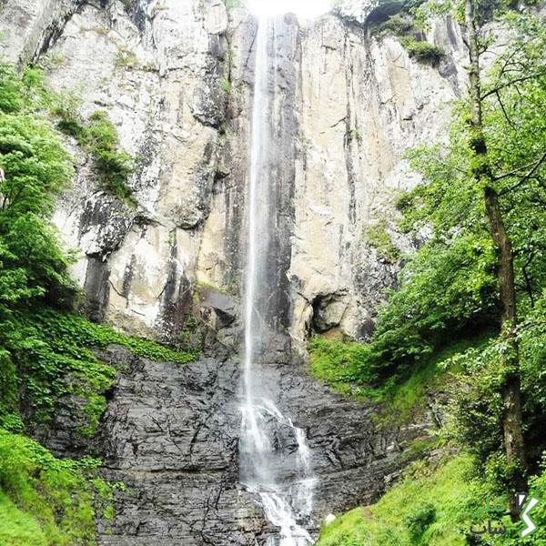 آبشار بسیار زیبا و دیدنی لاتون