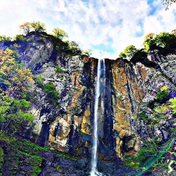 آبشار لاتون در استان گیلان