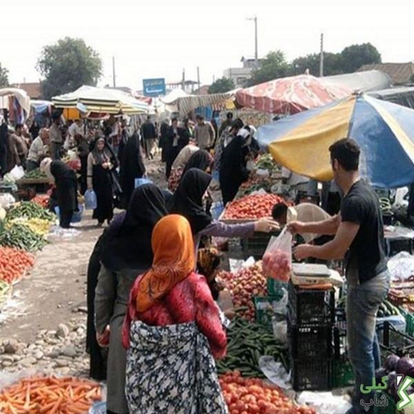 بازار هفتگی در صومعه سرا